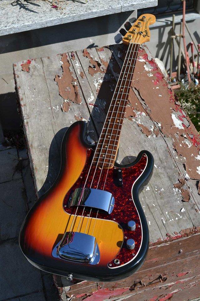 1968_Fender_Precision_Bass_233512_02.jpg