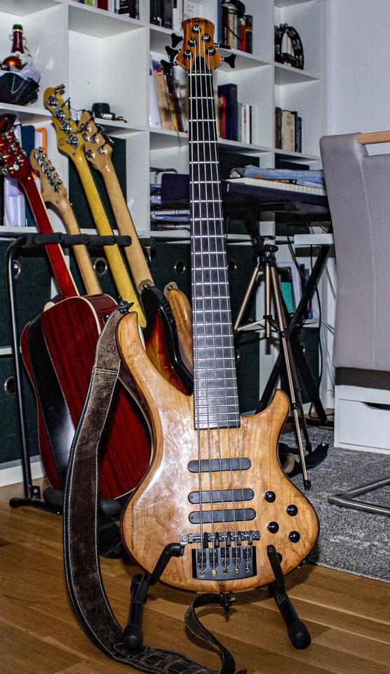 Bassline 01.jpg