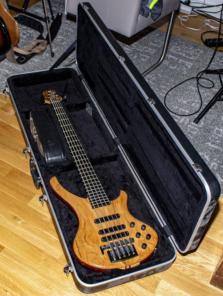 Bassline 08.jpg