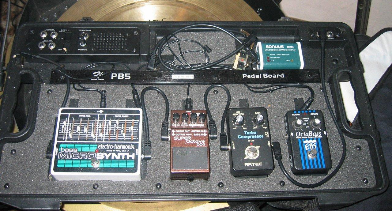 E synthbass.jpg