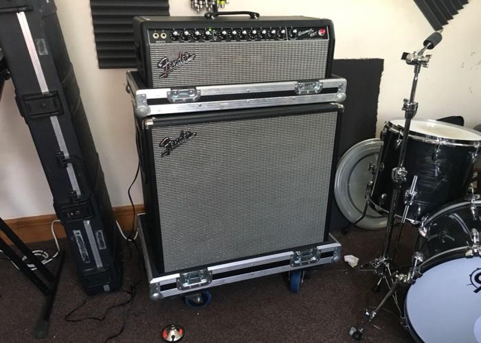 fender-bassman-100t-amp-and-cabinet-73666177.jpg
