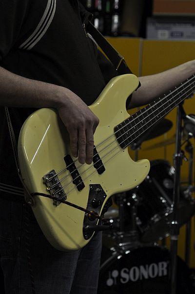 Fender JB Korea.jpg
