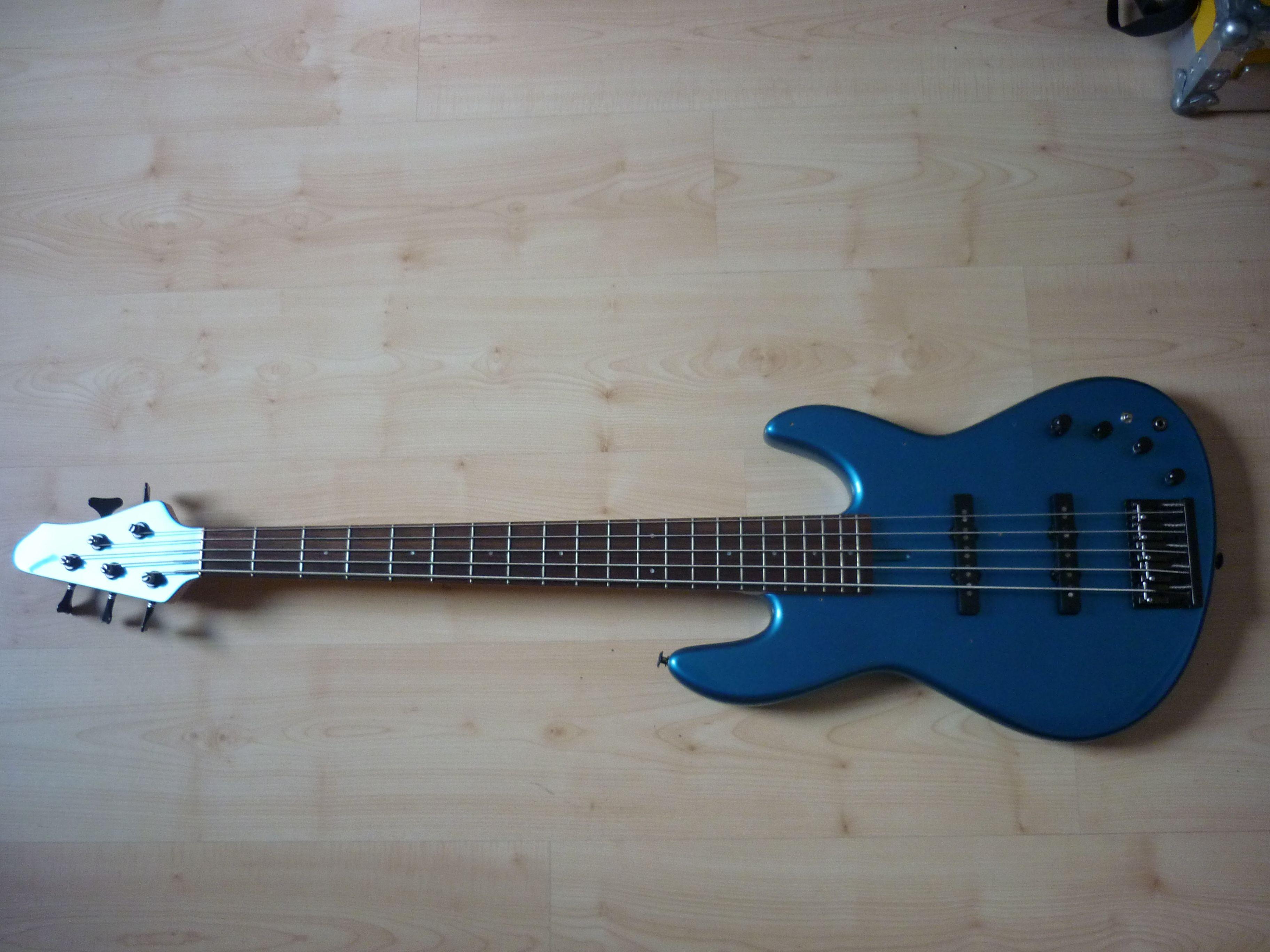 Fodera-blue-1.JPG