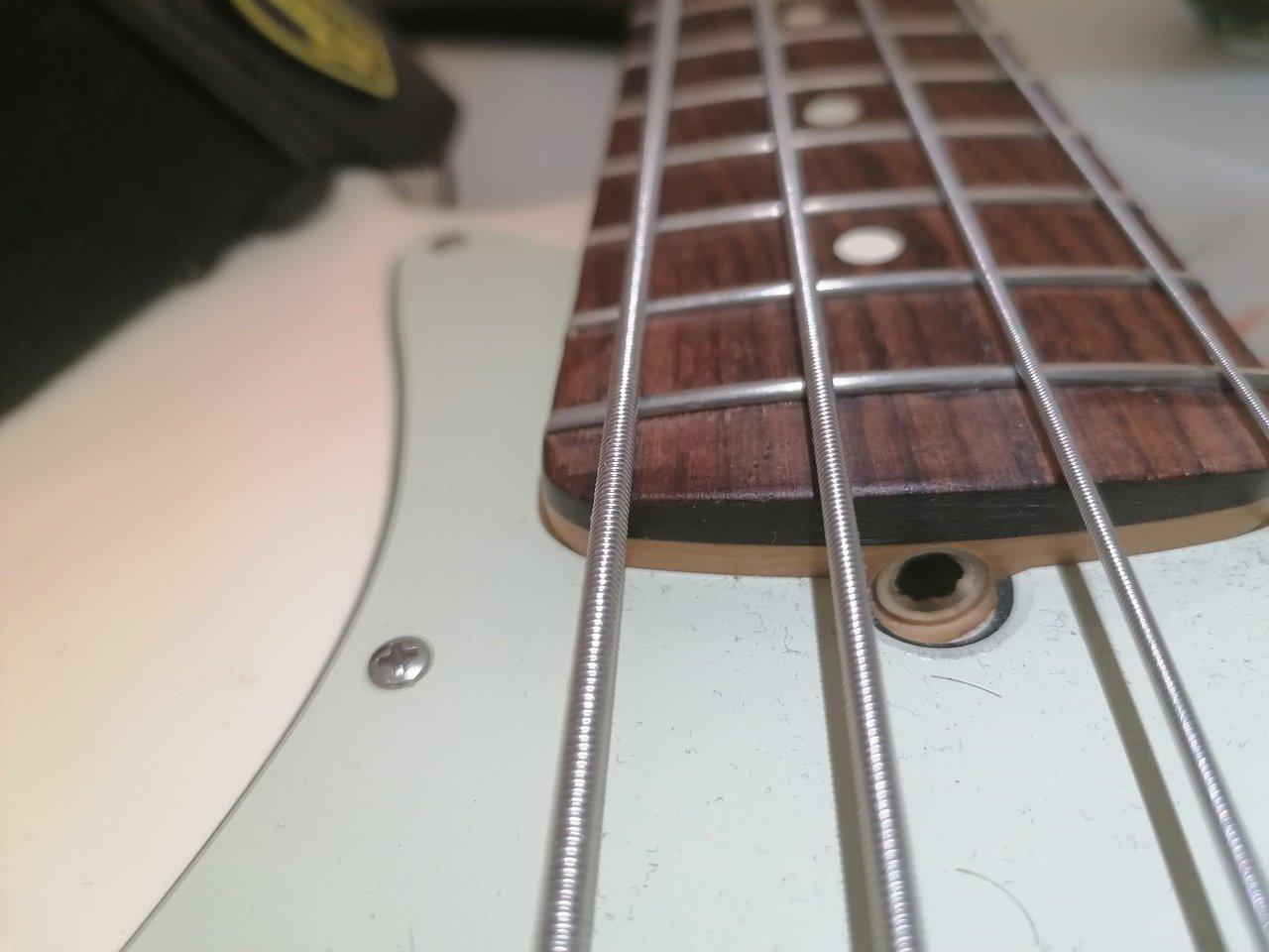 Jazz Bass trussrud.jpg