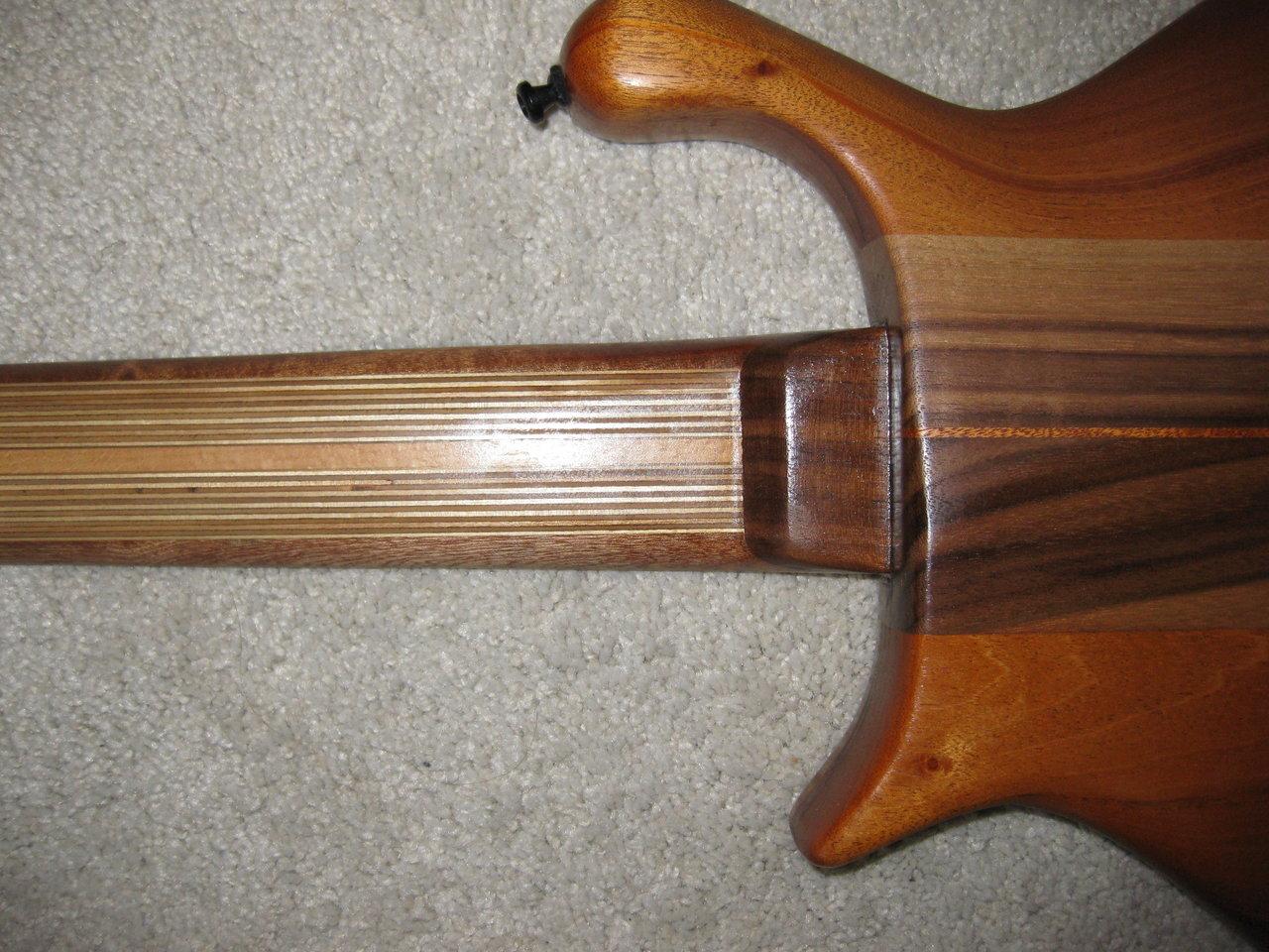 Kaiser 5-string mediumscale.jpg