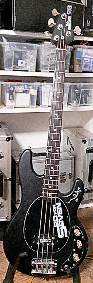 m loveley bass Nr1.jpg