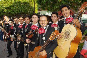 Primer-festival-de-mariachi-en-sjr_05-696x464.jpg