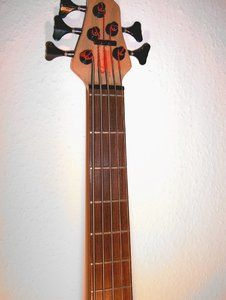 Headstock_Neck front.jpg