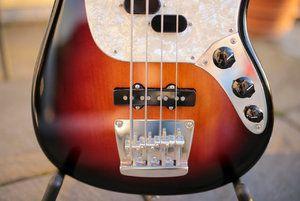 Fender Mustang Bass-3.jpg
