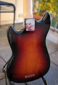 Fender Mustang Bass-6.jpg