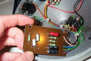 Arbiter_Fuzz_Face_(reissued_model)_-_circuit_board_(2005-03-10_19.33.04_by_germanium).jpg