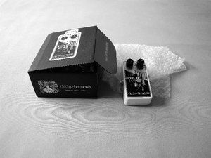 EHX-Pitchfork-mit-Verpackung.JPG
