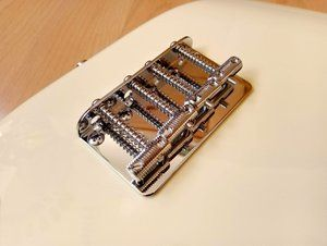 Allparts Vintage Style Bass Bridge (BB-0355)