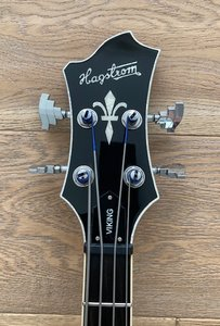 Hagstrom Viking Bass 8.jpeg