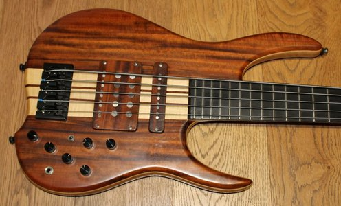 MLP King DC 5-String Custom Bass made in Hungary, neck trough, active