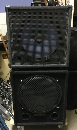 "2x 15"" Bass Box 200 Watt RMS - 8 Ohm"
