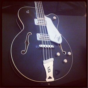 gretsch-broadkaster-bass-black.JPG