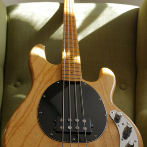 K.Bass MM 70's Style (wie Music Man / Stingray)