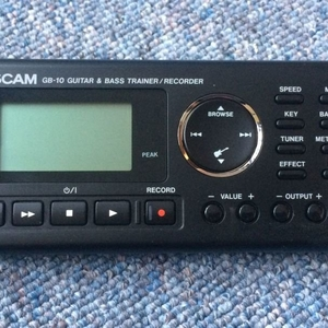 Bass Trainer Tascam GB-10