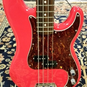 Squier Classic Vibe Precision Bass Fiesta Red